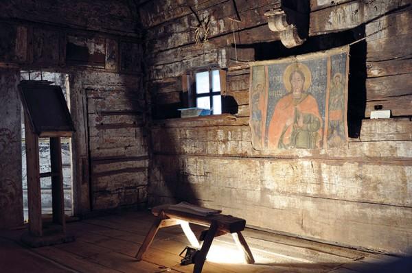 biserica-de-lemn-din-Tarnavita-dupa-amenajarea-expozitiei