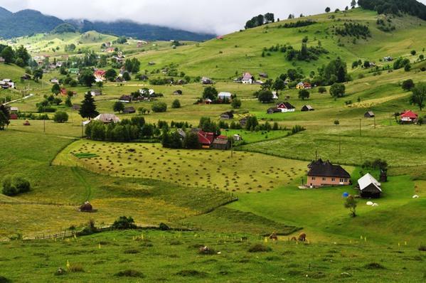 Il fascino senza tempo dei villaggi romeni