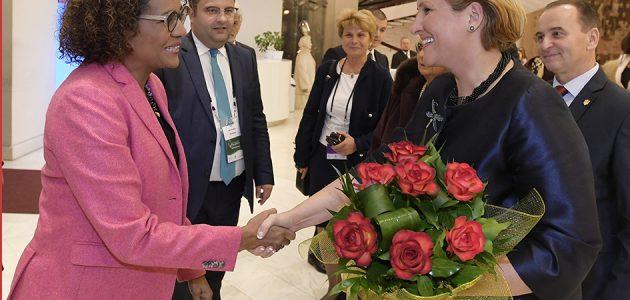 """Liliana Țuroiu, președintele Institutului Cultural Român: """"Pot spune că activitatea nostră s-a intensificat vizibil, atât în centrală, la București, cât și în Reprezentanțele din străinătate…"""" RADOR"""