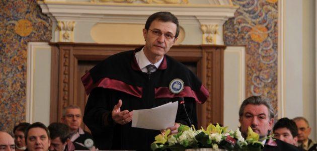 """Salone Torino, il Presidente dell'Accademia Romena, I.A.Pop, presenta """"Storia della Transilvania"""" ed. Rediviva Milano 2018"""