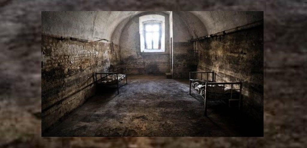 Cristo è Risorto! Padre Gheorghe Calciu Dumitreasa nella carcere di Aiud, Romania, 1982